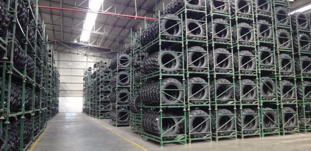 Comment construire une usine de pneus dans une région désertique et sismique ?