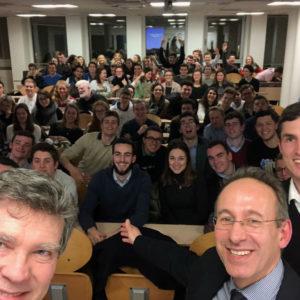 Quand Arnaud Montebourg part à la rencontre des étudiants de l'Ihedrea